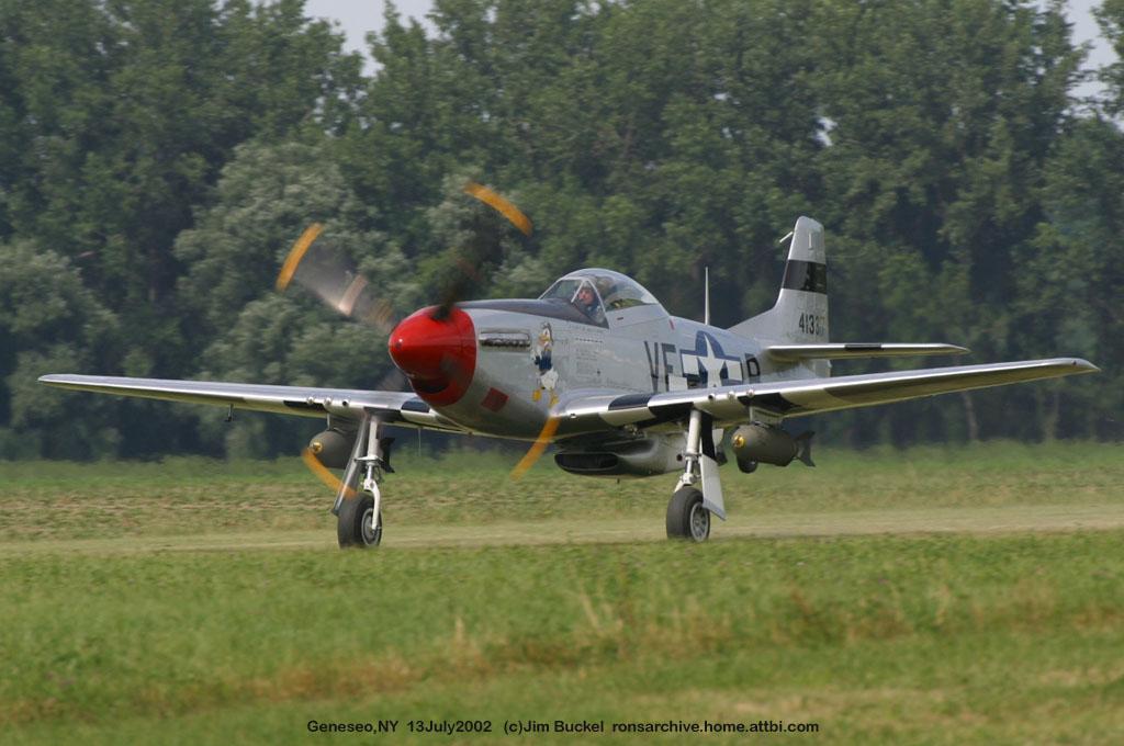 在第二次世界大战中,p-51战斗机立下了显赫的战功